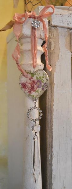 nice shabby chic decor piece - i have a heart similar to this and I was trying to decide how I wanted to use it - i'm thinking a jewelry charm key, lacy ribbon, wire hanger ... (inspiration)  (repin)