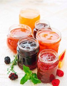 Jam Recipes, Sweet Recipes, Cooking Recipes, Marmalade Recipe, Vegan Cafe, Food Wallpaper, Jam And Jelly, Homemade Seasonings, Good Enough To Eat