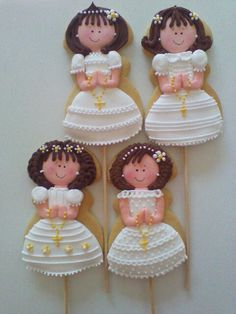 Girl's First Communion cookies Iced Cookies, Cute Cookies, Royal Icing Cookies, Cupcake Cookies, First Communion Cakes, Première Communion, First Holy Communion, Bautizo Cakes, Baptism Cookies