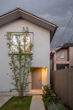kamirenjaku_house_024 Japanese Home Design, Japanese House, Japan Modern House, Muji Home, Halls, Small Space Design, Narrow House, Grey Houses, Facade House