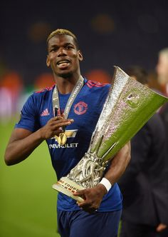Paul Pogba of Manchester United celebrates with The Europa League trophy after the UEFA Europa League Final between Ajax and Manchester United at Friends Arena on May 2017 in Stockholm, Sweden. Manchester United Champions, Manchester United Football, Paul Pogba, Good Soccer Players, Football Players, Manchester United Old Trafford, Man Utd Crest, Premier League Champions, Football Is Life