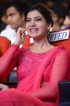 Samantha Images, South Actress, Beauty Full Girl, Beauty Queens, Anime Art Girl, Indian Sarees, Desi, Actresses, Babe