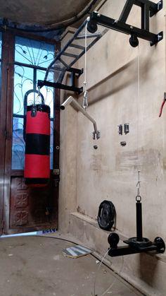 Home Gym Basement, Home Gym Garage, Gym Room At Home, Workout Room Home, Workout Rooms, Home Made Gym, Diy Home Gym, Home Gym Decor, Homemade Gym Equipment