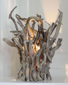 Fill Your Home With 45 Delicate DIY Driftwood Crafts - Useful DIY Projects