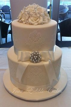 http://www.incrediblecakes.com.au/USERIMAGES/Damask%20wedding%20cake.jpg