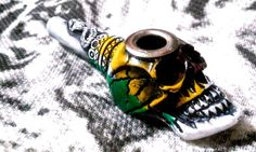 White Out & Colors Glossy Snake Skull Tobacco Smoking Pipe Small Bowl Metal Lip