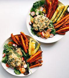 Burger and fries salad Whole 30 Recipes, Real Food Recipes, Cooking Recipes, Healthy Recipes, Yummy Food, Clean Eating, Healthy Eating, Healthy Food, Garden Burger