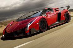 Lamborghini Veneno Roadster Uncovered - Motor Trend WOT
