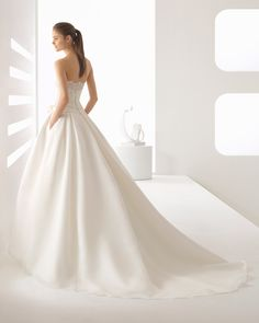 Elegant Gemy Maalouf Wedding Dresses 2015 Strapless Sleeveless Backless Plumeti Fabric Lace Applique Bridal Gown Floor Length Made In China Bridal Wedding