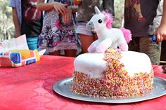 Get inspirational unicorn cake ideas from this image gallery of unicorn cake designs and cake toppers ideal for birthdays and kids parties Unicorn Cake Design, Cake Decorating Set, Nordic Ware, Toys Shop, Good Grips, Unicorn Birthday, Have Time, Cake Designs