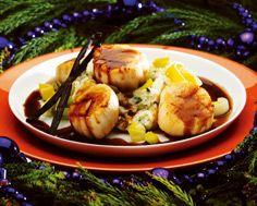 Scallops with Vanilla Jus, Basil Potato Purée and Leeks