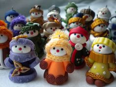 Handmade little snowmen (polymer clay and crochet)