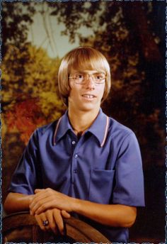 "Kevin Harvick, voted ""Best Smile"" and ""Best Hair"" at John W. Old School Pictures, School Photos, Good Smile, Make Me Smile, High School Funny, Vintage Magazine, Awkward Family Photos, Solo Photo, Yearbook Photos"