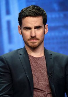 Colin O'Donoghue - Killian Jones -Captain Hook - Captain Swan - Once Upon A Time Killian Jones, Colin O'donoghue, Captain Swan, Captain Hook, Camisa Do Star Wars, Once Upon A Time, Scott Michael Foster, Youtubers, Press Tour