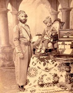 Prince Sardar Singh of Jodhpur with a Court Official, (Year - Vintage Photographs, Vintage Photos, Jaisalmer, Udaipur, Contexto Social, Royal Indian, Indian Man, Mother India, History Of India