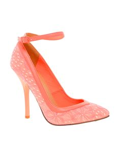 POUT Pointed High Heels