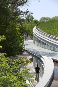 Brooklyn Botanic Garden Visitor Center by Weiss Manfredi