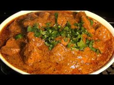 BUTTER CHICKEN RECIPE PAKISTANI STYLE / BUTTER CHICKEN RECIPE VIDEO IN URDU - YouTube Butter Chicken Curry, Indian Butter Chicken, Chicken Gravy, Butter Chicken Recipe Video, Chicken Recipes Video, Indian Chicken Recipes, Indian Food Recipes, Chicken Recipes Restaurant Style, Makhani Recipes