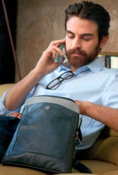 La Boutique Swarovski Piquadro Lampeberger: PIQUADRO BORSELLO ORGANIZZATO Man Bags, Boutique, Chef Jackets, Swarovski, Style, Fashion, Handbags, Briefcases, Moda