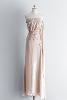 Elie Saab retailed over Silk Blush/Nude Elie Saab Gown with strapless neckline and bodice embellished with beading. Gown features high side split and is fully lined. Fabulous Dresses, Beautiful Outfits, Beautiful Clothes, Engagement Photo Dress, Elie Saab Gowns, Dress Rental, The Blushed Nudes, Silk Gown, Bodice