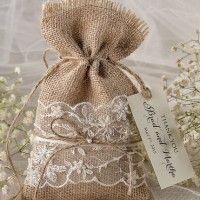 Wedding favors rustic burlap favor bags and tags Wedding Bag, Diy Wedding, Wedding Ideas, Wedding Gifts, Wedding Decorations, Burlap Favor Bags, Rustic Wedding Favors, Wedding Favor Boxes, Burlap Crafts