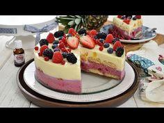 Coseli fruit cake for New Year's Eve Pistachio Torte Recipe, Strawberry Torte Recipe, Blueberry Torte, Easy Cake Recipes, Apple Recipes, Dessert Recipes, German Torte Recipe, Anna Cake, Romanian Desserts