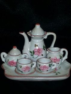 Mini Tea Set - ROSES. Pair with another tea set and save $5 on the total of both!