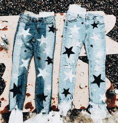 18 DIY's to Make & Sell – Design & Roses - Diy clothes Diy Jeans, Painted Jeans, Painted Clothes, Diy Clothes Paint, Diy Your Clothes, Hand Painted, Cheap Clothes, Diy Fashion, Ideias Fashion