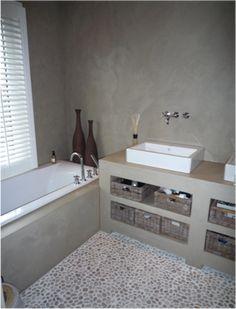 Beal Mortex Color or Beton Cire pro for the walls Minimalist Bathroom, Modern Bathroom, Small Bathroom, Master Bathroom, Cement Bathroom, Bathroom Toilets, Concrete Interiors, Tadelakt, Stone Flooring