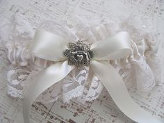 Ivory Lace Celtic Wedding Garter By Bluesparrowtrinkets On Etsy 1800