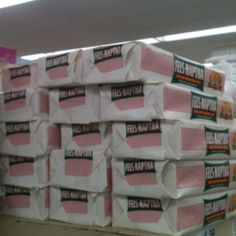 Suppose my Hy Vee grocery store stocked this much Fels-Naphta before Pinterest?