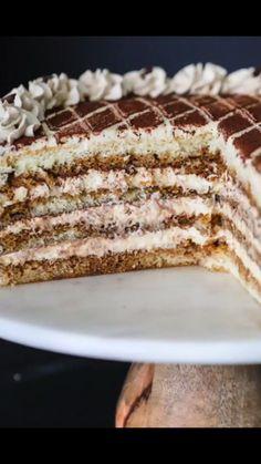Easy and super delicious Tiramisu Cake Tiramisu Recipe With Cream Cheese, Tiramisu Recipe Without Eggs, Easy Tiramisu Recipe, Tiramisu Cake, Cream Cheese Recipes, Easy Cake Recipes, Great Recipes, Dessert Recipes, Mascapone Recipes