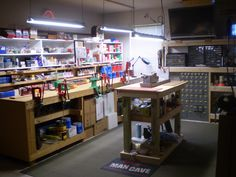 Reloading/gunsmithing room