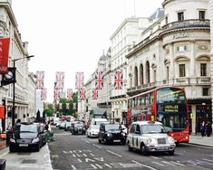 How to spend three days in London, England: your complete guide to spending 72 hours in the capital of the uk: wander along oxford street