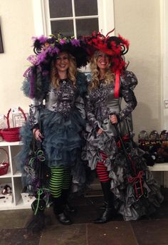 Witches night out @ Gardner Village, witch fest! Halloween Makeup Witch, Scary Halloween, Halloween Crafts, Halloween Ideas, Witches Costumes For Women, Witch Costumes, Halloween Costumes, Steampunk Witch, Witches Night Out