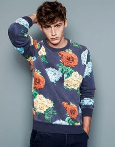 Floral Sweatshirt is drolling in my mind, I Want this in my wardrobe