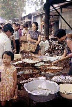 Singapore - Day and night market at Jala Kayu in the 1960s. THE LIBYAN Esther Kofod www.estherkofod.com