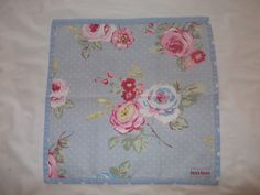 Betty Blues Napkins, made with 100% cotton the napkin is edged in a contrasting fabric design. For prices on sets please contact me through www.bettybluesvintage.com