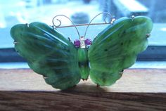 Vintage-Art-Deco-14K-Gold-Hand-Carved-Jade-Ruby-Butterfly-Brooch-Pin-Signed