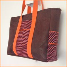iLena Pattern: 'Lena' from the book 'Mijn tas' (my bag) My Bags, Purses And Bags, Sewing Accessories, You Bag, Leather Purses, Messenger Bag, Pouch, Handbags, Quilts