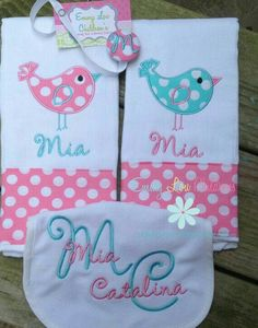 Items similar to Baby Gift Set - Set of Two Burp Cloths, Pacifier Clip and Bib - Personalized Baby Gift Set - Monogrammed Gift Set on Etsy Baby Sewing Projects, Sewing Projects For Beginners, Baby Gift Sets, Baby Set, Applique, Baby Burp Cloths, Baby Bibs, Burp Rags, Diy For Girls