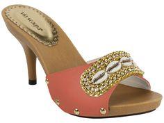 Tamanco Salto Via Scarpa 760-6332 Brown Sandals, Women's Shoes Sandals, Tolu, Wooden Sandals, Shoes World, Kinds Of Shoes, Beautiful Shoes, Summer Shoes, Cute Shoes