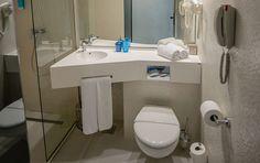 Turquoise Hotel - Galerie Foto Toilet, Sink, Turquoise, Bathroom, Home Decor, Littoral Zone, Sink Tops, Washroom, Vessel Sink