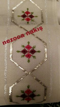 Bargello, Sewing Hacks, Hand Embroidery, Elsa, Diy And Crafts, Crochet, Hand Crafts, Bath Linens, Hardanger