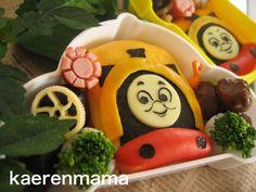 機関車トーマスのキャラ弁 | kaerenmamaオフィシャルブログ「短時間でかわいいキャラ弁当」Powered by Ameba