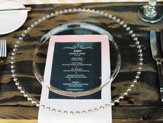 placing ombre menus under clear glass plates // photo by WendyLaurel.com