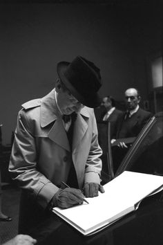 Vladimir Horowitz at La Scala in 1985 http://www.archiviolascala.org/