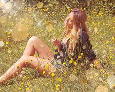 Shared by Flower Child Hippie Bohemian, Hippie Style, Bohemian Style, Modern Bohemian, Mustard Flowers, Field Of Dreams, Boho Life, Hippie Life, Happy Hippie