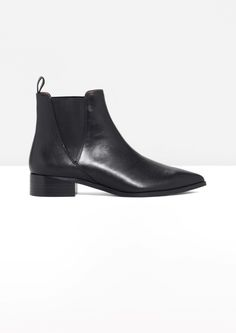& Other Stories Leather Chelsea Boots // $155 USD + free shipping over $150 (newsletter sign up gets 10% off)