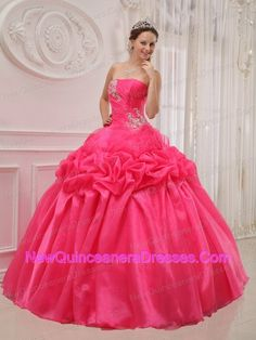 http://www.newquinceaneradresses.com/special_offer-quinceanera_dresses